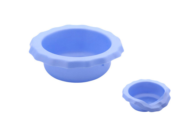 Portable silicone rubber dog bowl good to take with you for dog walks
